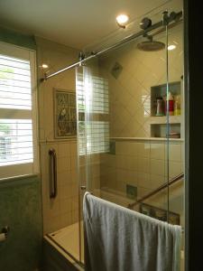 Barcroft Bathroom 1